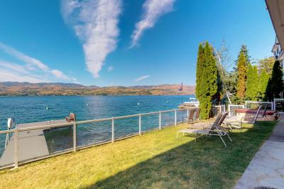 Accent Lakefront Villa - Chelan Vacation Rental