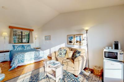 Ocean Cove: Alsea - Yachats Vacation Rental