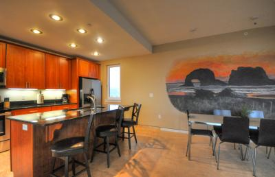 The Stonybrook Condo #108 - Rockaway Beach Vacation Rental