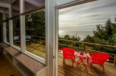 Anchor House - Upper Unit - Lincoln City Vacation Rental