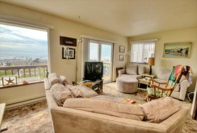 Lighthouse Beachfront Retreat - Cape Meares Vacation Rental