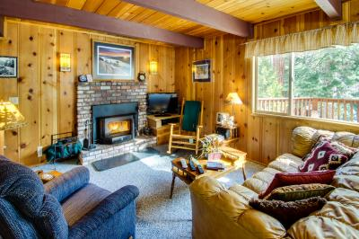 Abbie's Mountain Cabin - Tahoe Vista Vacation Rental