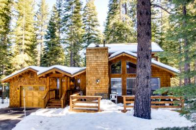 Beaver Pond Northstar Luxury Chalet with Hot Tub - Truckee Vacation Rental