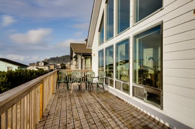 Hint of Heaven - Lincoln City Vacation Rental