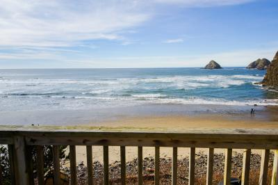 Oceanfront Cottage - Oceanside Vacation Rental