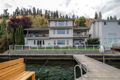 Accent Lakefront Villa - Chelan Vacation Rental