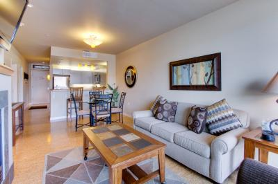 Chelan Resort Suites: Concord Bliss (#305) - Chelan Vacation Rental