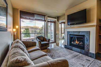 Chelan Resort Suites: Lakeview Hideaway #311 - Chelan Vacation Rental