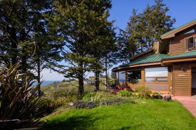 Sahhali Ocean Vista House - Neskowin Vacation Rental