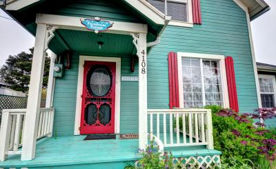 Farmhouse Cottage - whole house - Seaview Vacation Rental