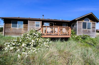 Bayshore Canal Beach House - Waldport Vacation Rental