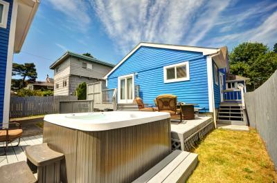 Pearl off the Prom - with hot tub - Seaside Vacation Rental
