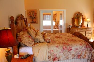Crystal Rose Luxury Home and Cottage - Lincoln City Vacation Rental