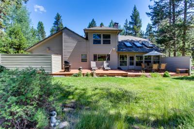 10 Mugho Lane on Woodlands Golf Course - Sunriver Vacation Rental