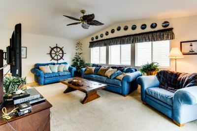 Oceanic Loop Beach House - Waldport Vacation Rental