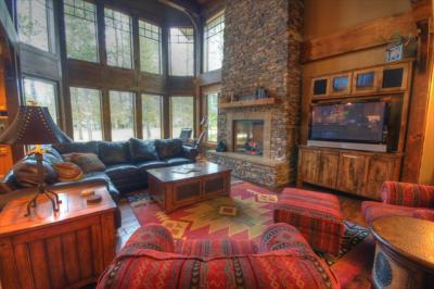 Luxury Lodge at Vine Maple - Sunriver Vacation Rental