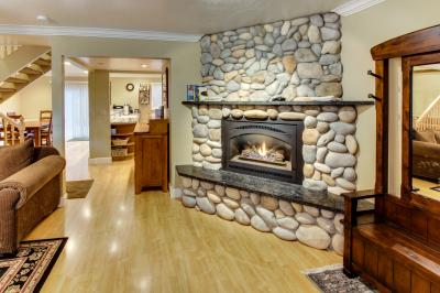 Lake Forest Glen Exclusive - Tahoe City Vacation Rental
