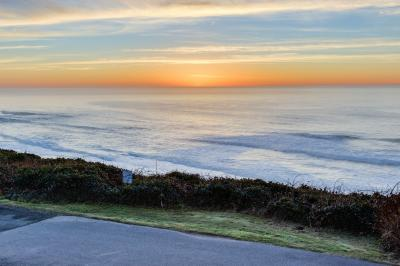 Oceanfront Views! - Lincoln City Vacation Rental