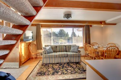 Alpine Chalet #3 Full Loft - Otter Rock Vacation Rental