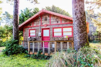 Woodland Cottage by the Sea - Yachats Vacation Rental