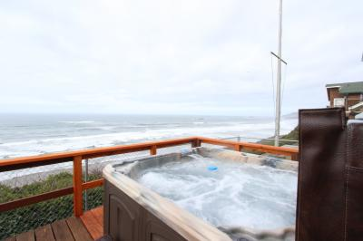 Beverly Beach Whale Lookout with Hot Tub! - Newport Vacation Rental