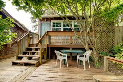 The Peanut and Coop Beach House - Cannon Beach Vacation Rental