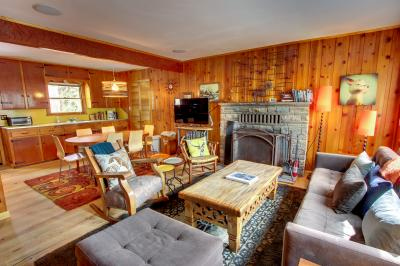 Deerhead Cabin - Kings Beach Vacation Rental