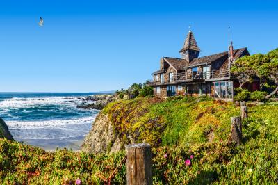 Ocean Breeze - Fort Bragg Vacation Rental