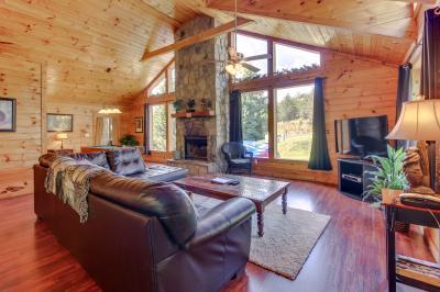 Dancing Bear Cabin - Sautee Nacoochee Vacation Rental