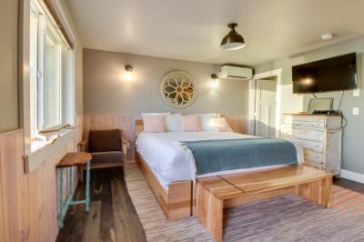 Zeolite #9 - Oceanside Vacation Rental