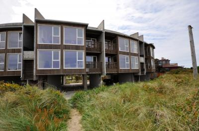 The Modern Beach Retreat #103 - Rockaway Beach Vacation Rental