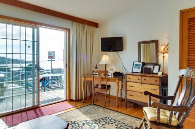 Ocean Cove: Perpetua - Yachats Vacation Rental