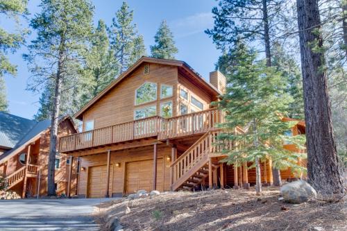 Whispering Pines - Truckee Vacation Rental