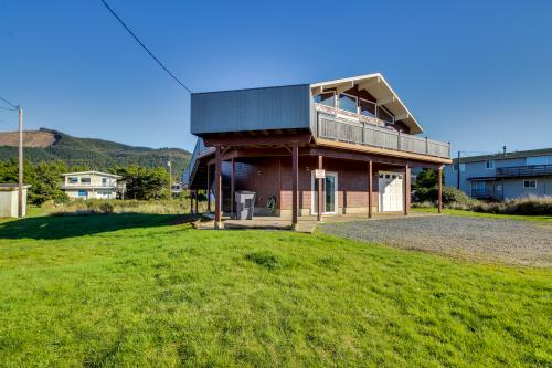 Seascape Beach House - Rockaway Beach, OR Vacation Rental
