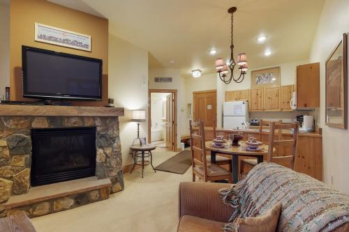 Expedition Station 8563 -  Vacation Rental - Photo 1