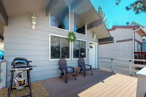 House on Areoplane - Big Bear City, CA Vacation Rental