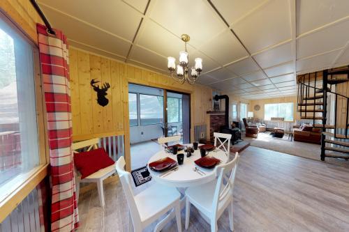 Palamino Cabin -  Vacation Rental - Photo 1