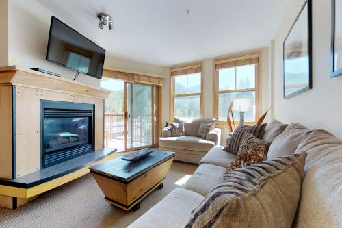 Contemporary Cozy Condo -  Vacation Rental - Photo 1