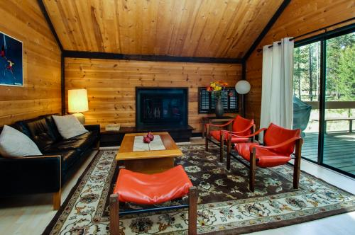 14 Pole House - Sunriver Vacation Rental