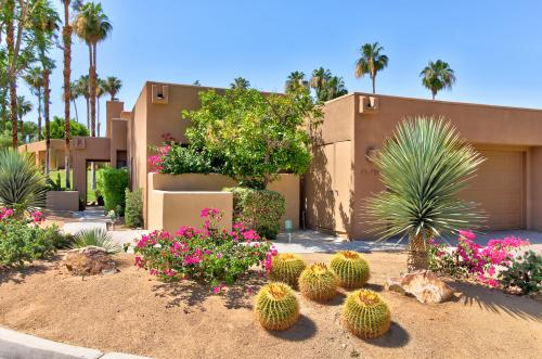Poinciana Paradise  - Palm Desert, CA Vacation Rental