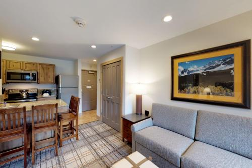 Cozy Columbine Condo -  Vacation Rental - Photo 1