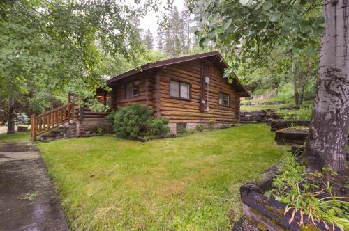 Lincoln Log Cabin - Harrison, ID Vacation Rental