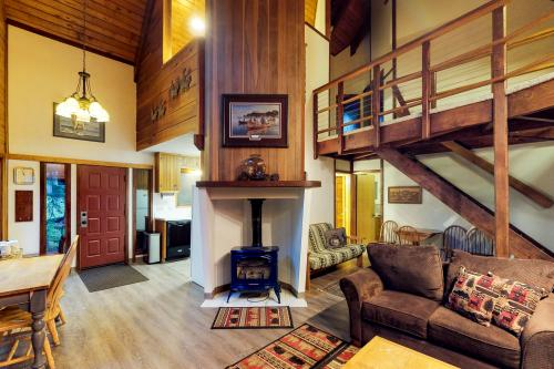 Vail Chalet - Girdwood, AK Vacation Rental