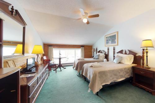 The Dockside Inn #4 -  Vacation Rental - Photo 1