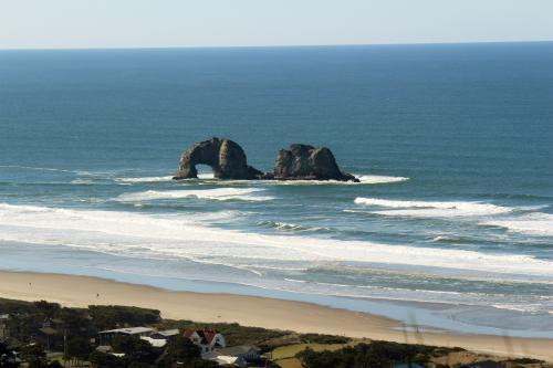 Panoramic Vista - Rockaway Beach, OR Vacation Rental