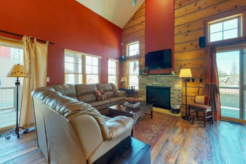 Cozy Cabin in Rendezvous  -  Vacation Rental - Photo 1