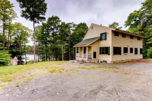 Lake Hebron House - Monson, ME Vacation Rental