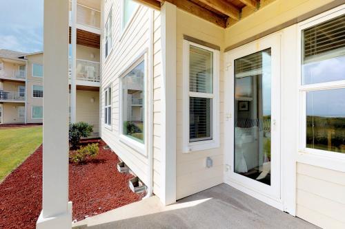 Family Beach Condo - Westport, WA Vacation Rental