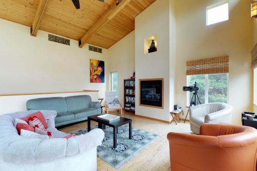 Modern Beach Cottage - Westport, WA Vacation Rental