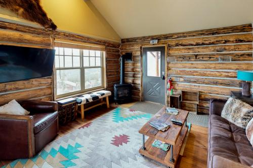 Big Grizzly Cabin -  Vacation Rental - Photo 1